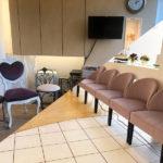 レディースクリニック待合室のインテリア